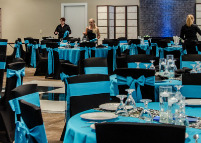Extraordinary-Ventures-teal-wedding-panorama